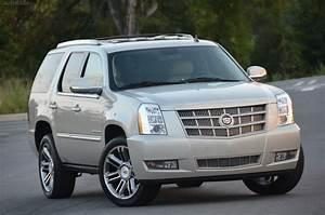 2013 Cadillac Escalade Review • AutoTalk