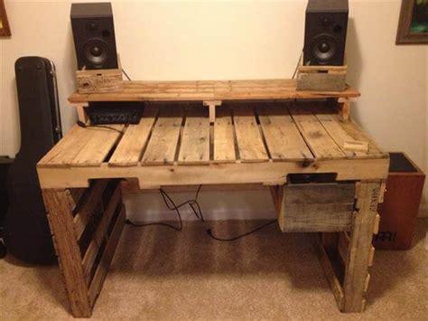 wood pallet desk diy pallet desk with drawers 99 pallets