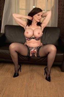 Plus Milfs Xxx Milf Model Michaela O Brilliant