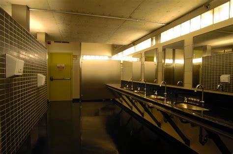Restaurant washroom