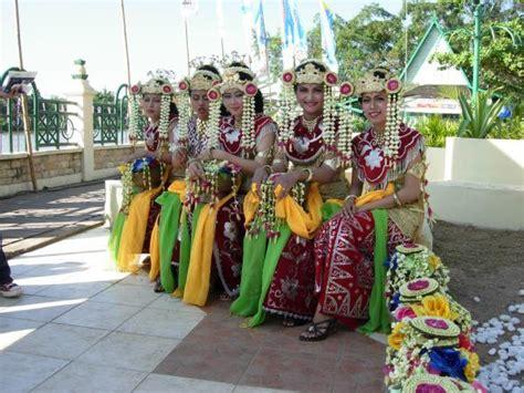 banjar people visit indonesia   beautiful