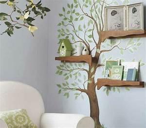 Baum Für Wohnzimmer : baum mit gr nen bl ttern an der wand und regale aus holz ~ Michelbontemps.com Haus und Dekorationen