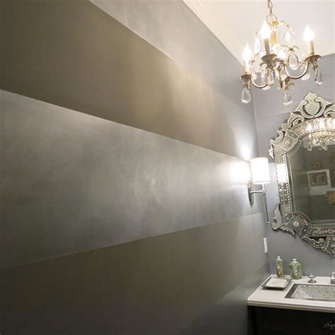 Silber Metallic Wandfarbe by Horizontal Wide Metallic Stripes With Pearl Metallic Paint
