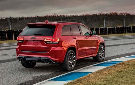 jeep grand cherokee 2018 jeep grand cherokee trackhawk packs 707 horsepower