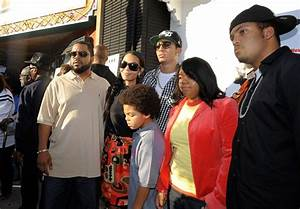 Ice Cube Family Pictures, Wife Kimberly Woodruff, Kids, Age