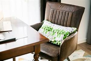 Schreibtisch Im Wohnzimmer Integrieren : den arbeitsplatz harmonisch ins wohnzimmer integrieren pepper and gold ~ Bigdaddyawards.com Haus und Dekorationen