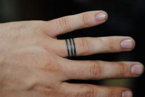 40+ Sweet & Meaningful Wedding Ring Tattoos