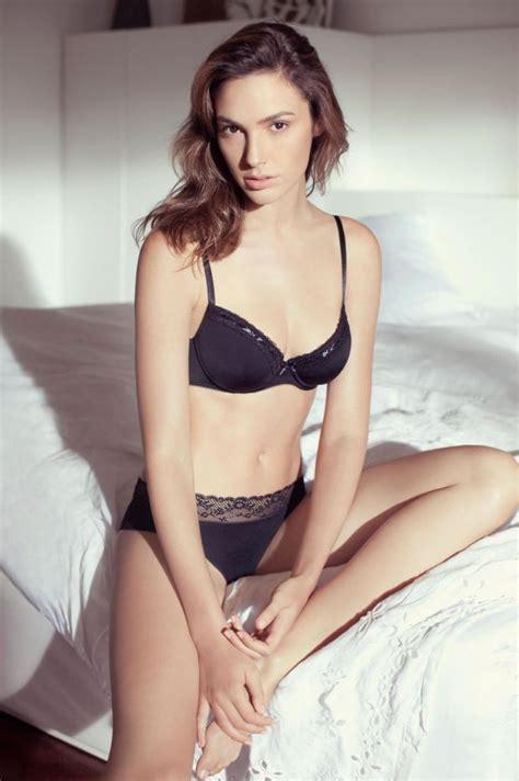 evehewson sexy 30 sexy photos of gal gadot the new wonder woman layerbag