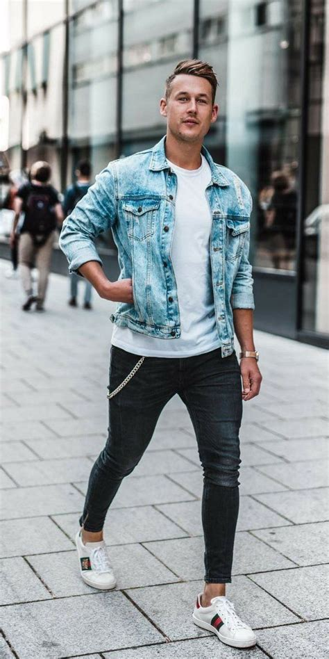 Fall Outfit Idea With Light Wash Denim Jacket White