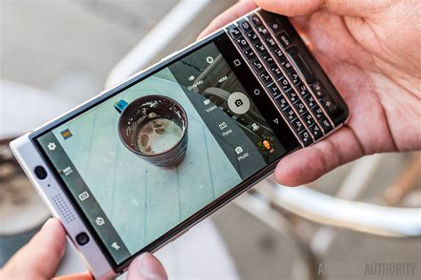 New Blackberry Keyone Units With Display Fix Now Arriving