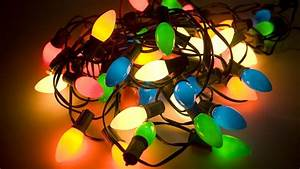 Outdoor Christmas Light Strands  An Expert U2019s Tangled Guide