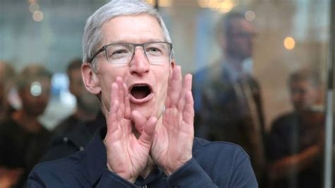 zuckerberg intended to drag apple tim cook in his