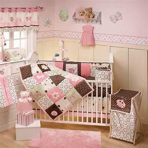 le linge de lit bebe 44 idees qui vont vous inspirer With déco chambre bébé pas cher avec fleurs pour naissance fille
