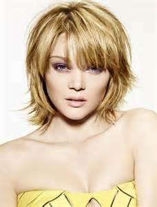 tuto coupe de cheveux coiffure femme mi carre plongeant coiffure chic pour visage rond produits vxlkrc