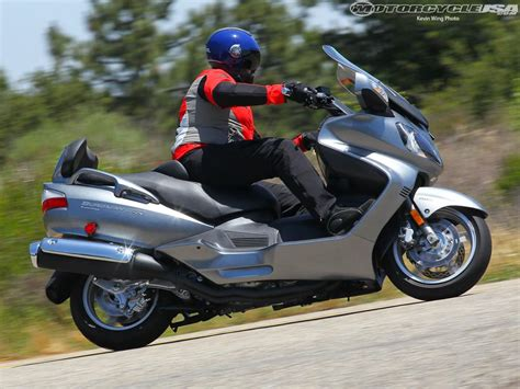 Suzuki Burgman 650 by 2011 Suzuki Burgman 650 Moto Zombdrive