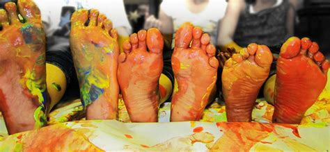 feet painted dance workout yes please