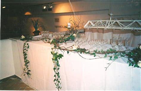 la salle et les tables fleurs douai