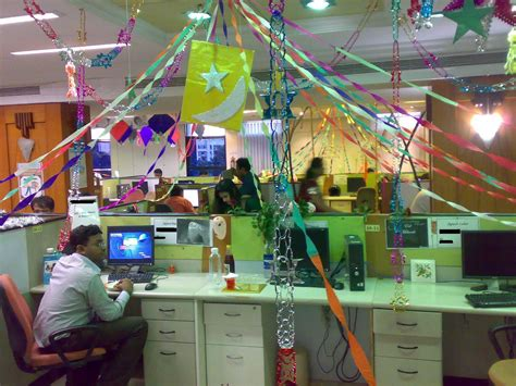 outrageous cubicle birthday decorations themes ideas decorating office cubicle best home