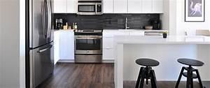 Kleine Küchen Einrichten : wie sie kleine k chen mit einer essecke ausstatten ~ Indierocktalk.com Haus und Dekorationen