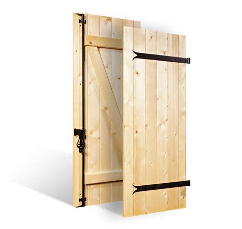volets battants 224 lames verticales 27mm 224 barres et 233 charpes en bois volets sur mesure