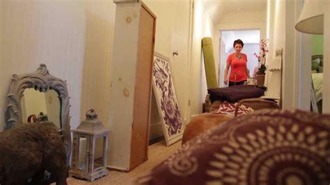 P Allen Smith Home Interiors : Decorating The Purple Room With Rebecca Robeson