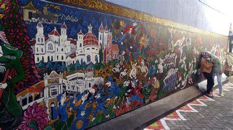 lukisan dinding  kampung batik semarang  maknanya
