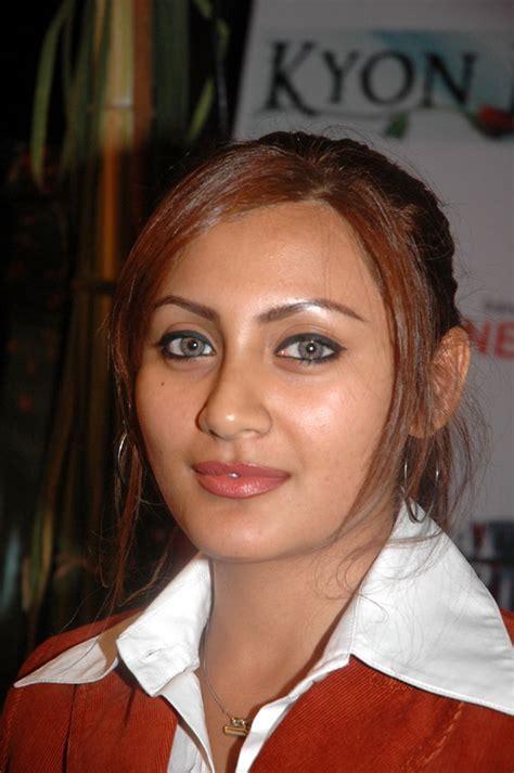 Rimi Sen / Rimi Sen - Bollywood Photos