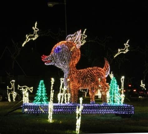 zootastic park christmas wonderland lights folepi s winter wonderland east peoria il two miles of