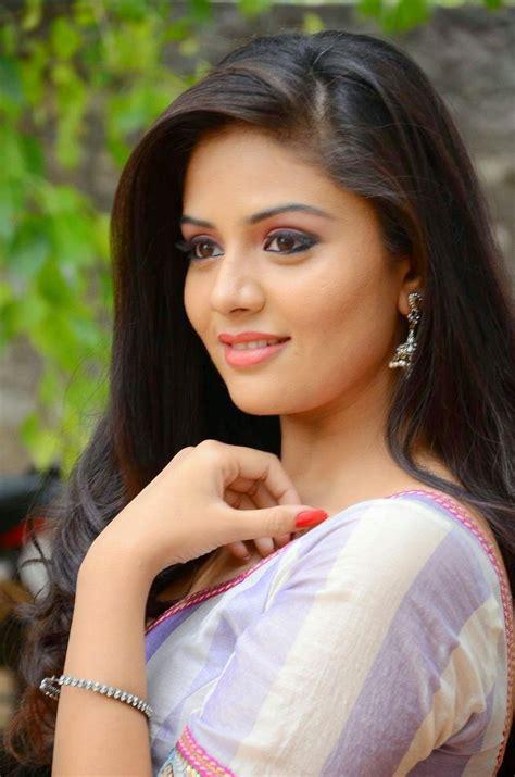 Srimukhi Stills At Dhanalakshmi Thalupu Thadithe Movie