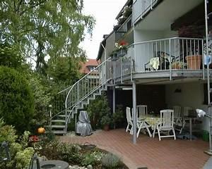 Terrassen Treppen In Den Garten : balkon mit treppe balkon mit treppe anbauen hauptdesign benchandtable balkon mit treppe der ~ Orissabook.com Haus und Dekorationen