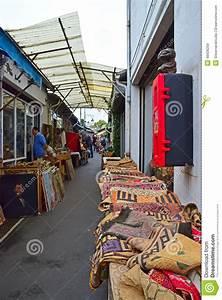 Puces De Saint Ouen : a typical alley sight of marche aux puces de saint ouen ~ Melissatoandfro.com Idées de Décoration