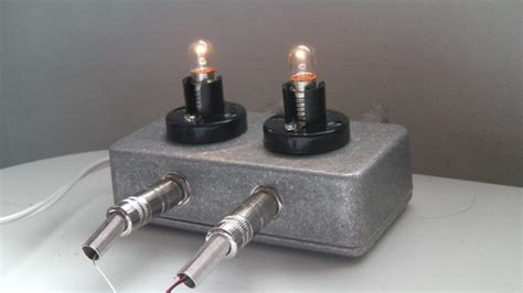 the bulb 1 watt guitar class a lifier with a light bulb