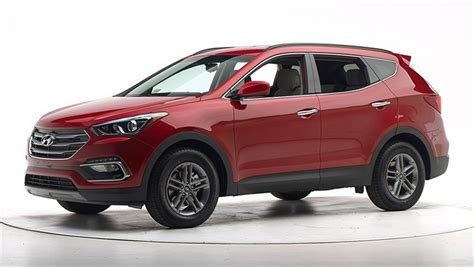 2017 Hyundai Santa Fe Gets Maximum Rating from IIHS Crash