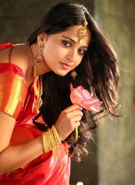 simple hairstyles  silk saree