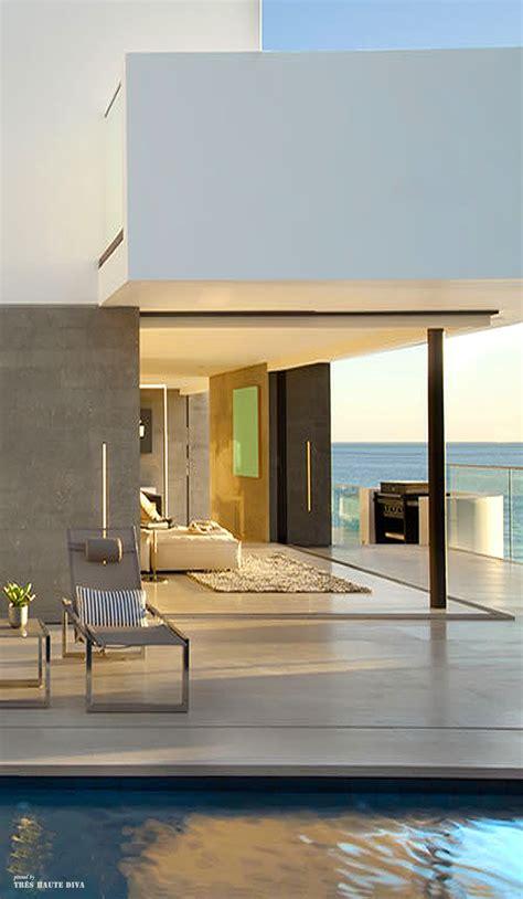Contemporary Beach House Interior Design