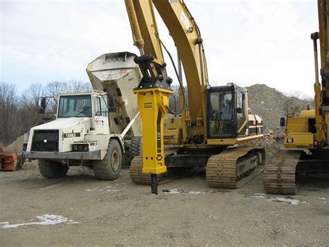 excavator  series  lb   lb hydraulic hammer eagle rental commercial