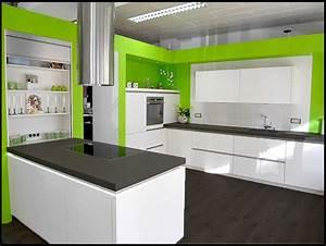 Farbgestaltung Küche Wand : welche farbe w rde bei dieser k che am besten passen home design forum f r wohnideen und ~ Sanjose-hotels-ca.com Haus und Dekorationen