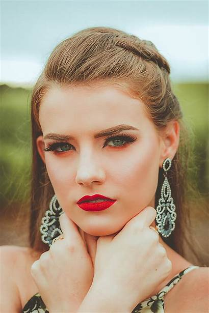 Beauty Face Close Woman Photoshoot Attractive Jewelry