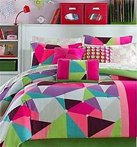 neon bedrooms for teens