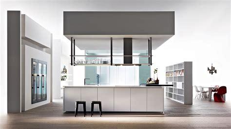 hauteur meubles cuisine cuisine aménagée meuble haut suspendu placard haut