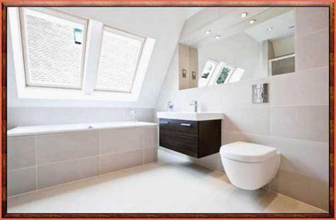 Kleines Badezimmer Fliesen Größe by Kleines Bad Fliesen Bis Zur Decke