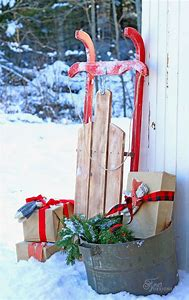 diy christmas sled decoration