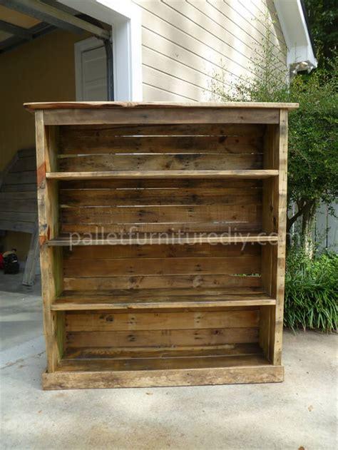 bookshelf out of pallets pallet bookcase tutorial pallet furniture diy