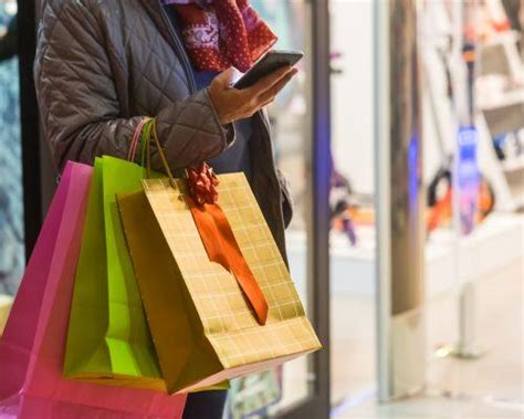 holiday retail forecasts predictions ris news