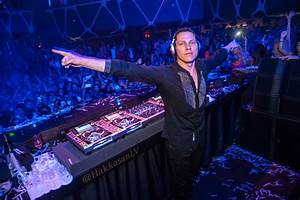 Tiesto Says Moving to Vegas Wasn't About the Money | Your EDM  Dj