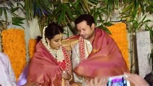 Photos : Actress Trisha Krishnan and Varun Manian ...