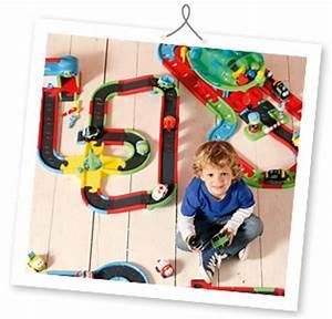 Petite Voiture Enfant : jouet petite voiture circuit voiture jouet garage ~ Melissatoandfro.com Idées de Décoration