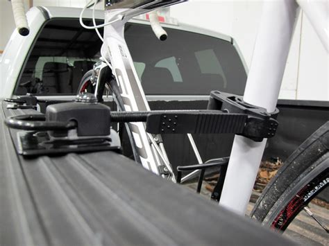 inno velo gripper bike rack for truck beds cl on inno