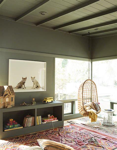 deco plafond chambre un plafond et des murs kaki pour une chambre d 39 enfant