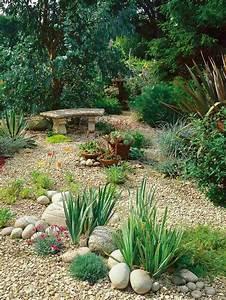 modele de jardin avec galets en 26 exemples inspirants With idee deco jardin gravier 1 creer le plus beau jardin avec le gravier pour allee